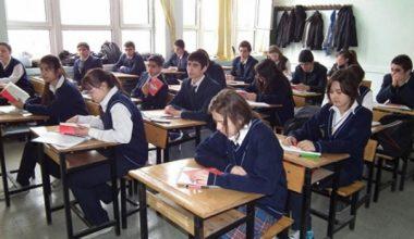 Okulları Peşaver medreselerine çevirmeleri yetmedi, şimdi de karma eğitime saldırıyorlar