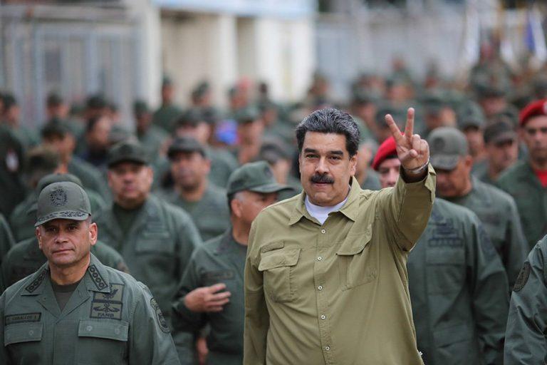 ABD-AB Emperyalist haydutları, Bolivarcı Venezuela'dan elinizi çekin!