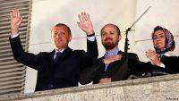 AKP İktidarı'nın yeni yurt yönetmeliği öğrencilerimizi hepten Ortaçağcı tarikatlara teslim ediyor